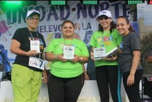 """El equipo obtuvo el primer lugar en las categorías """"Mejor comparsa"""" y """"Mejor decoración"""" y recibieron una medalla en las categorías de """"Resistencia en la pista"""" y """"Oración""""."""